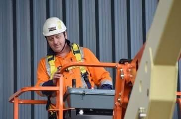 Operate elevating work platform Yellow Card