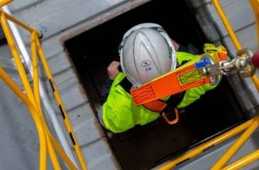 RIIWHS202D Enter and work in confined spaces 1